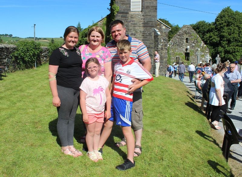 Eimer, Muireann, Mary, Padraigand Ciaran McSweeney enjoying the sunshine in Ballyvourney