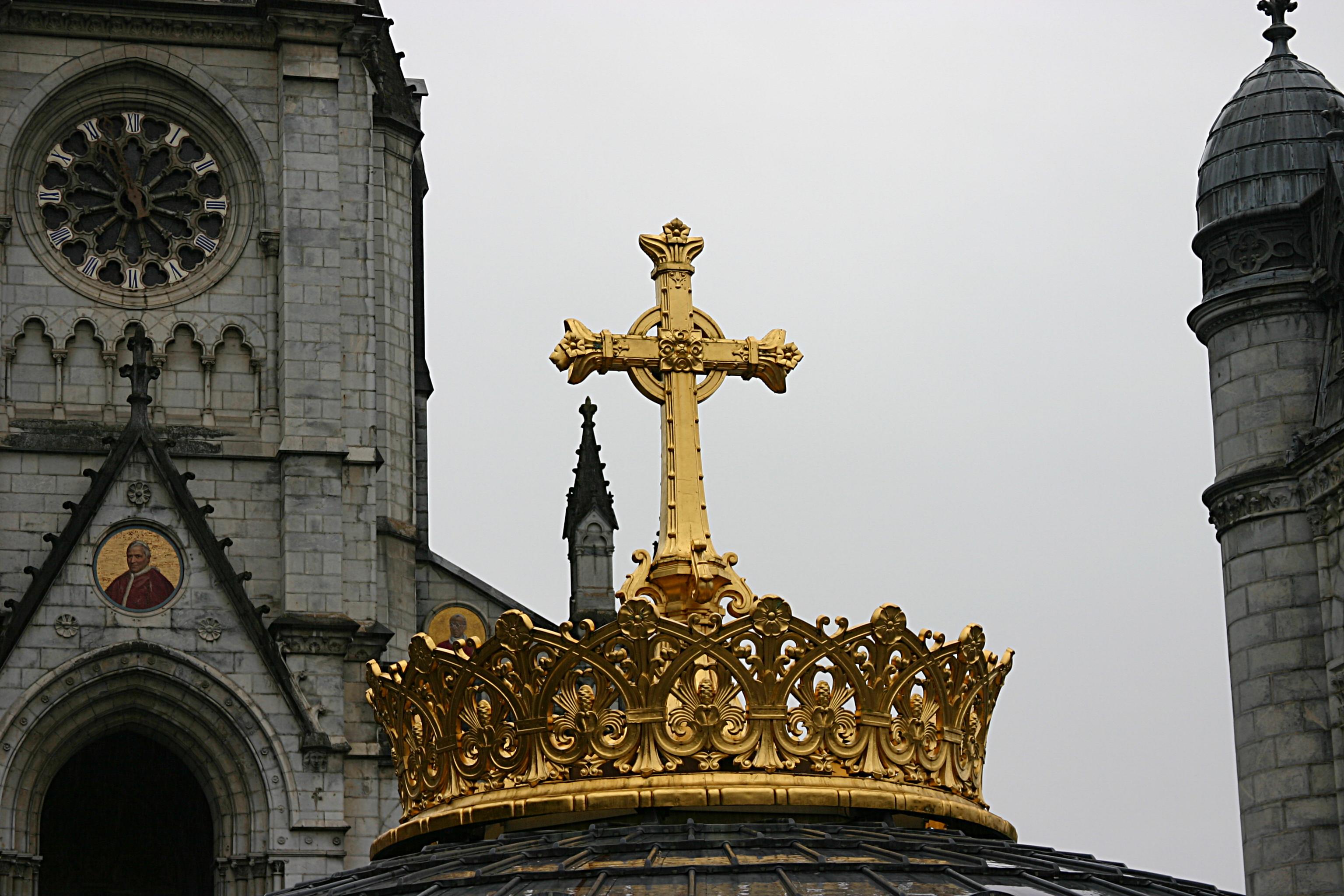 https://en.wikipedia.org/wiki/Rosary_Basilica